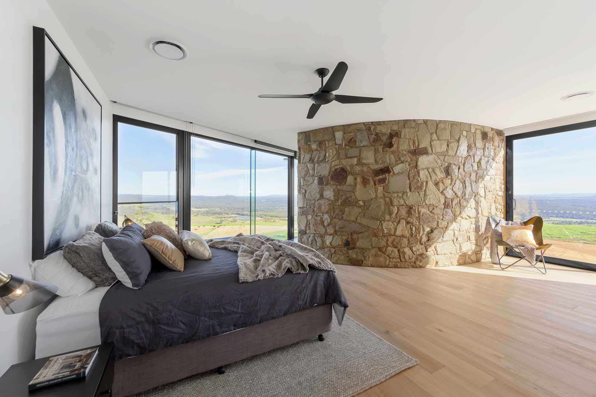 Sky High Mount Franklin - Luxury Accommodation Retreat